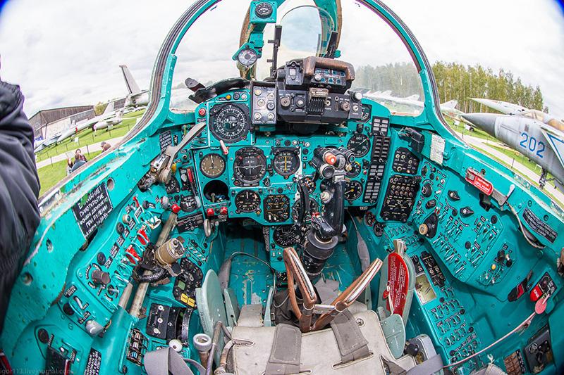 Кабина МиГ-27