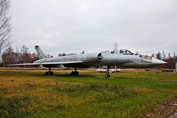 Ту-128УТ 'Пеликан' - фото