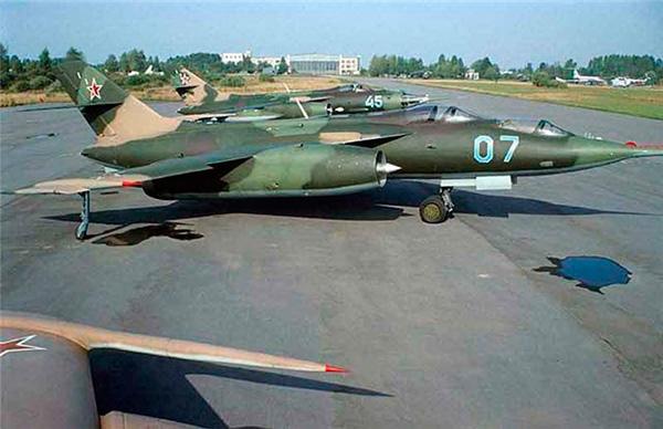 Як-28У — учебно-тренировочный самолет