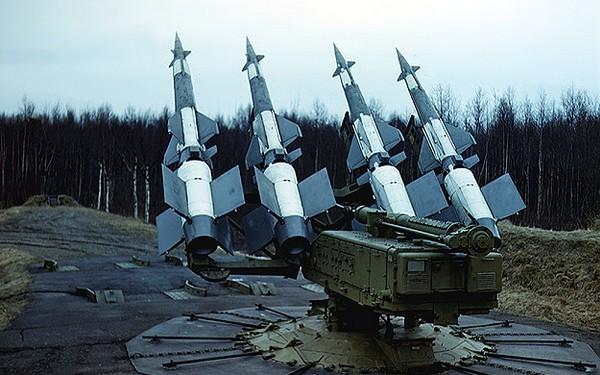 Зенитно-ракетный комплекс С-125М1 'Нева-М1'
