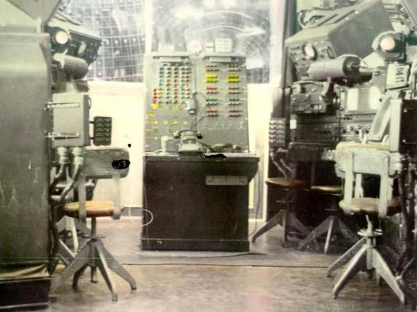 Зал управления комплексом С-25 'Беркут'