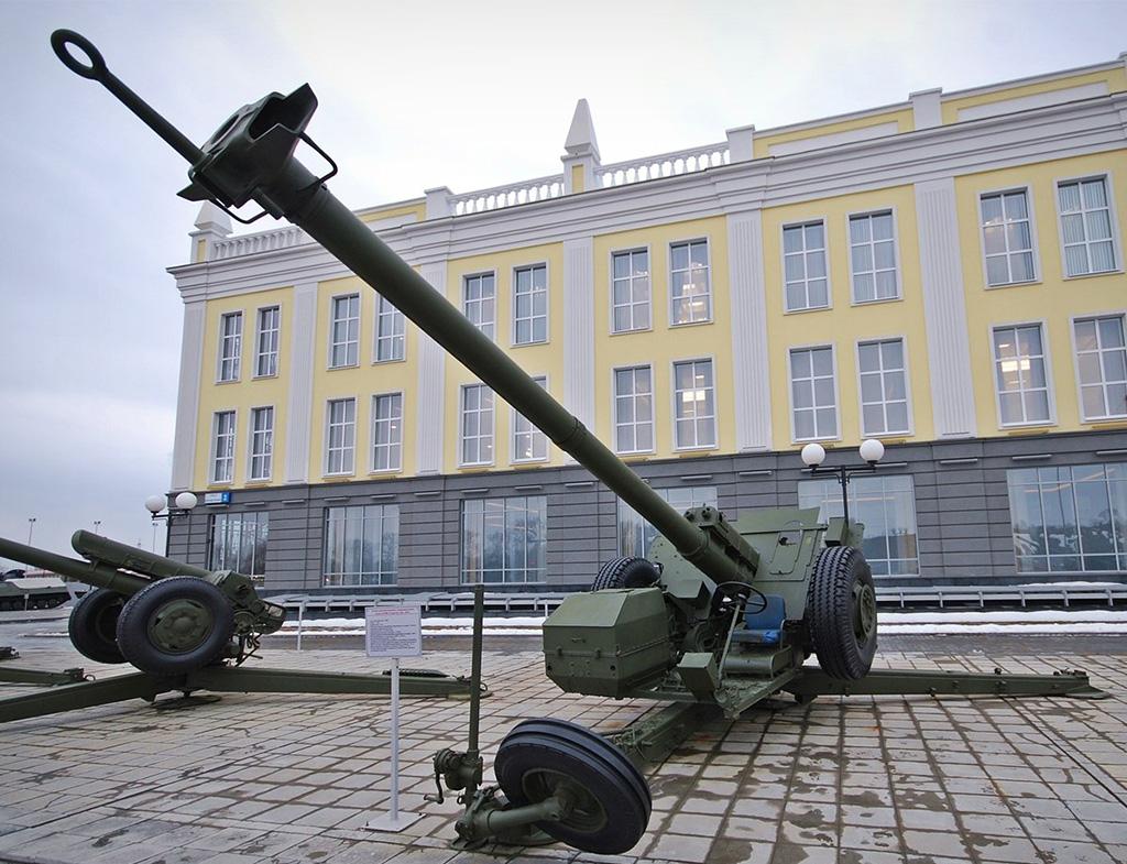 2А45М Спрут-Б - самодвижущаяся противотанковая пушка калибр 125-мм