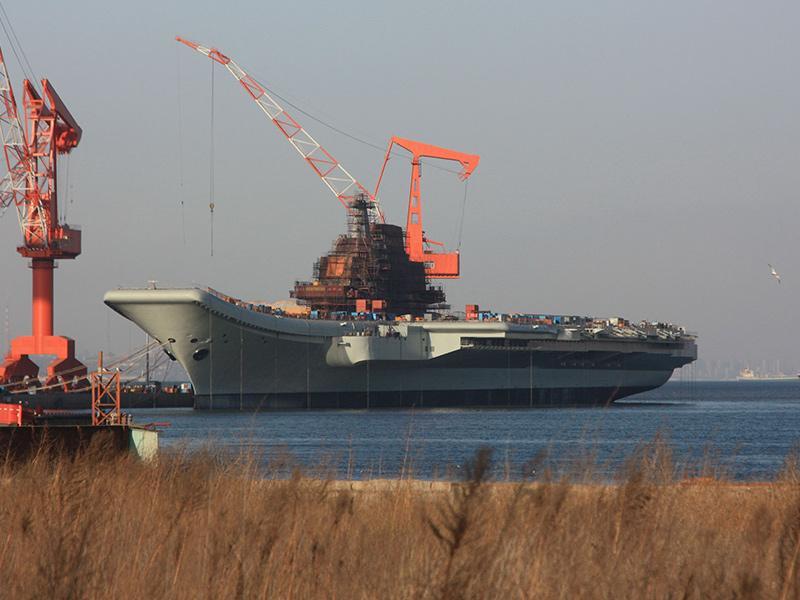Достройка авианесущего крейсера «Варяг» в китайском порту Далянь, 2010 год