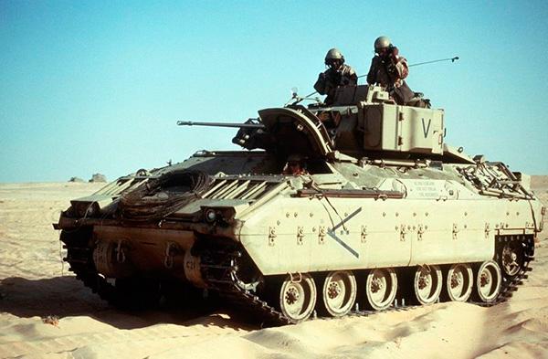 Американские БМП М2 «Брэдли» и БРМ М3