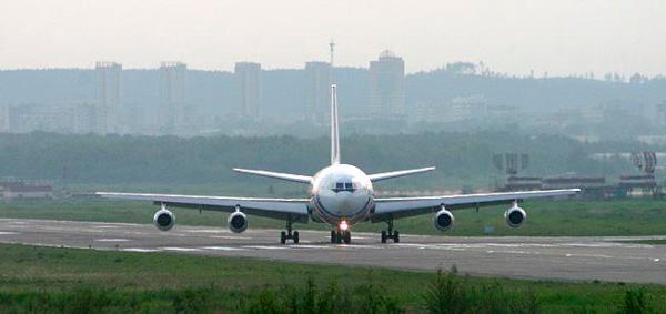 Ил-86 - широкофюзеляжный пассажирский самолет