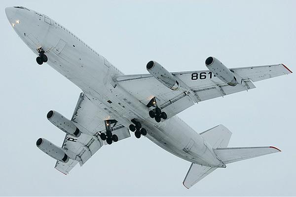 Красивый кадр нижней части Ил-86