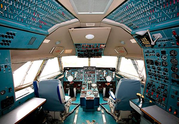 Кабина пилотов Ил-86