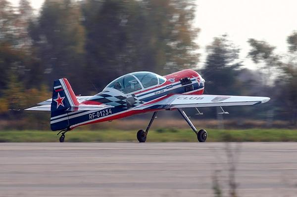 Су-29 - двухместный спортивно-пилотажный самолёт