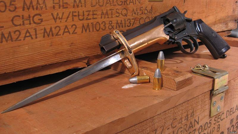 Револьвер Веблей Мк. VI со штыком Притчарда - Гринера