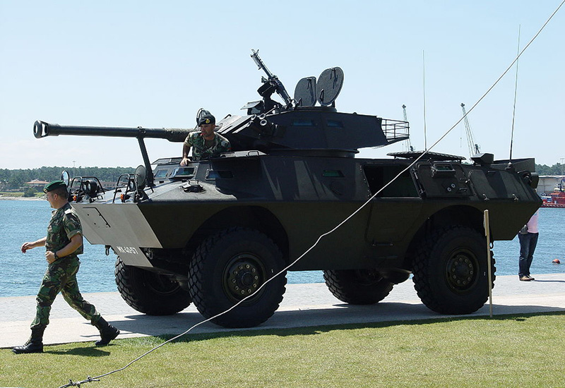 V-150 Commando португальской армии с M60D установленным на башню