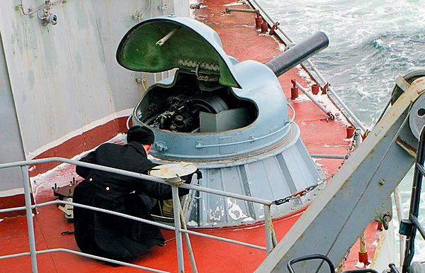 АК-630 - зенитная корабельная автоматическая 30-мм шестиствольная установка
