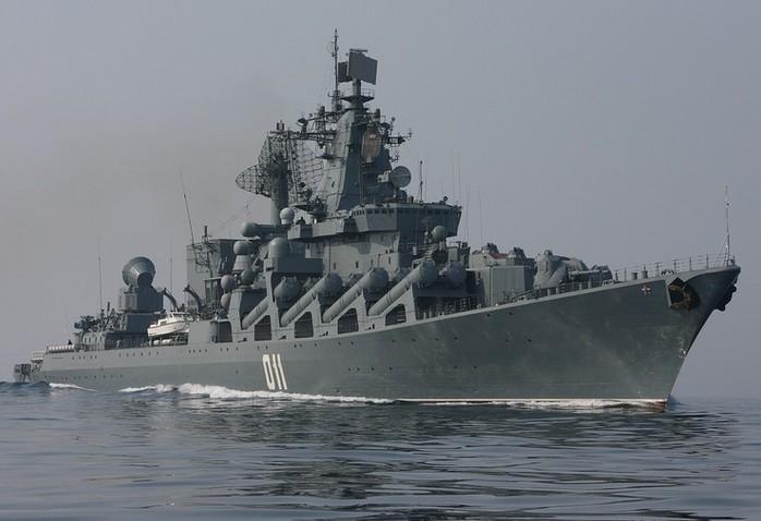 Ракетный крейсер 'Варяг' (Червона Украина) - флагман Тихоокеанского флота России