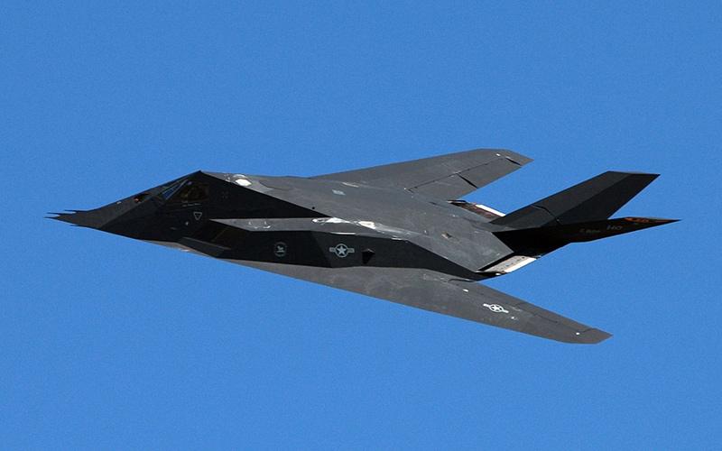 Локхид F-117 «Найт Хок» - американский малозаметный самолет