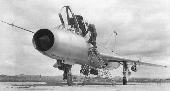 Су-7 - истребитель-бомбардировщик