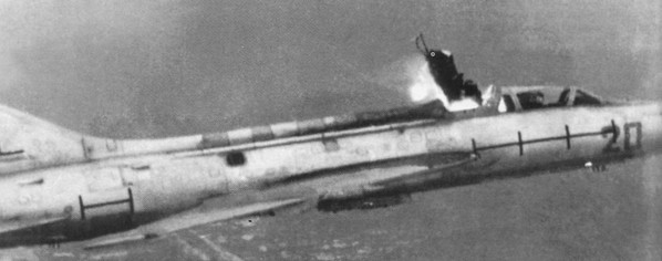 Испытания кресла КМ-1 на летающей лаборатории Су-7У.