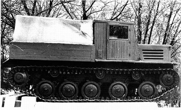 Артиллерийский тягач Я-12