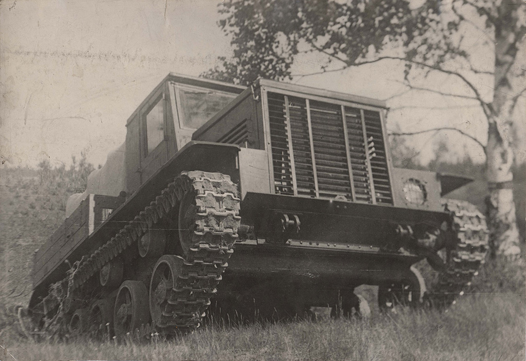 Я-12 - артиллерийский тягач