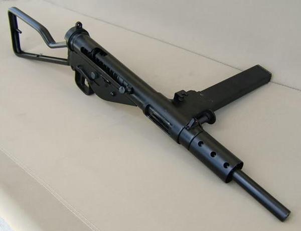 STEN МK II ( S ) - английский пистолет-пулемёт Второй Мировой войны