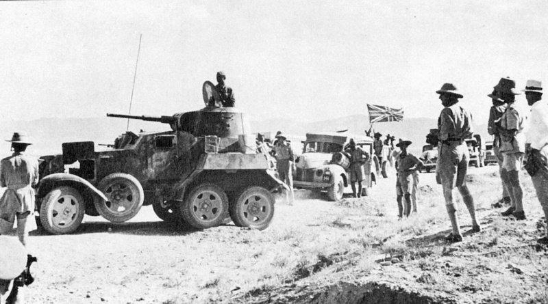 Советский броневик БА-10 охраняет британскую колонну в Иране (Персии), 1941.