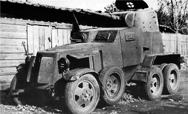 БА-10 - бронеавтомобиль Красной Армии
