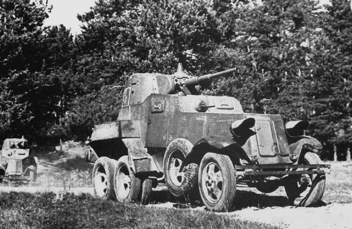 Колонна броневиков БА-10 в 1941, СССР.