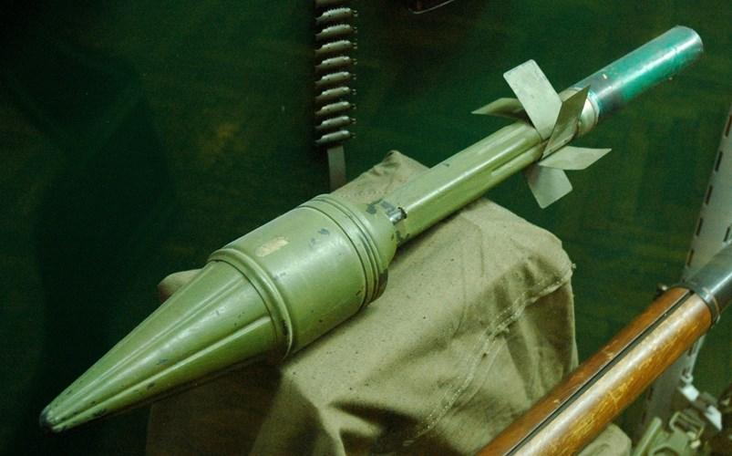 Кумулятивная противотанковая граната ПГ-2 с надкалиберной (82 мм) головной частью