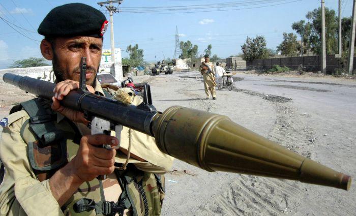 Солдат Пакистанской армии с РПГ-2