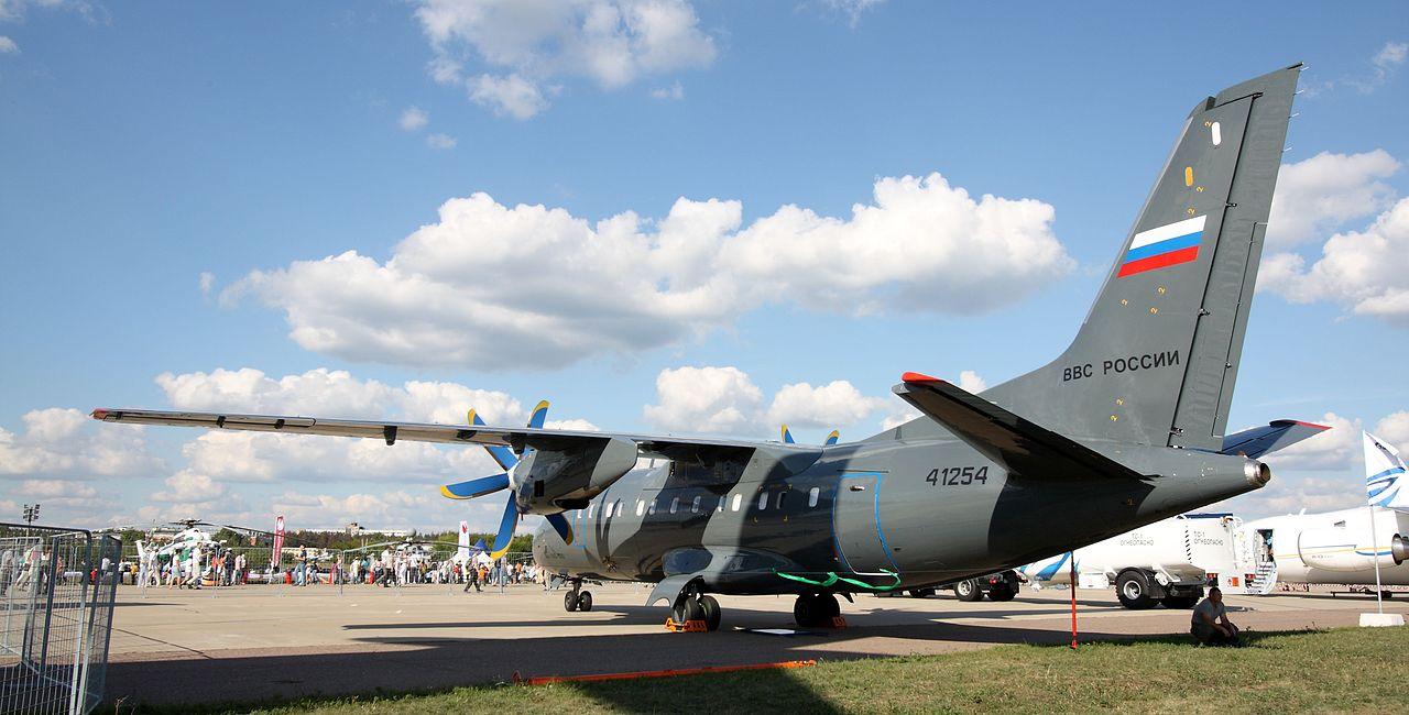 Ан-140-100 ВВС России на авиасалоне МАКС-2011