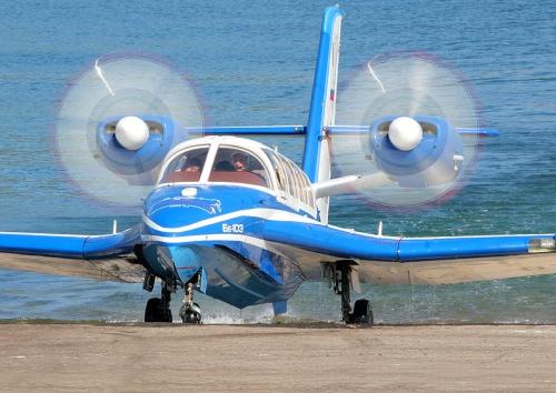 Бе-103 выезжает из воды