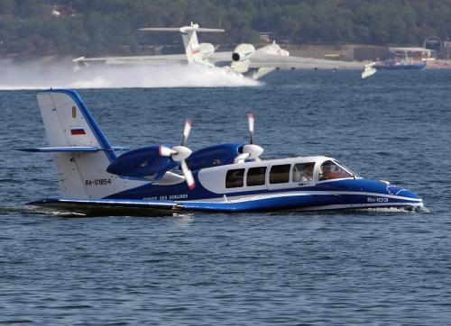 Бе-103 на водной поверхности