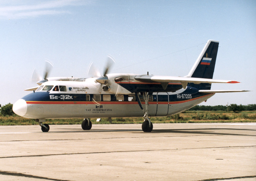 Бе-32К - ближнемагистральный пассажирский самолет
