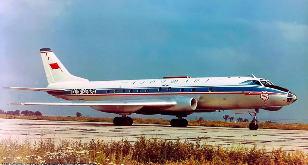 Ту-124 - пассажирский авиалайнер