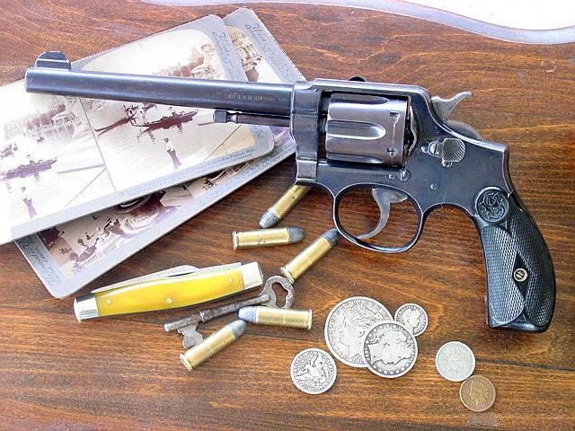 Револьвер Смит-Вессон модель .38 Hand Ejector