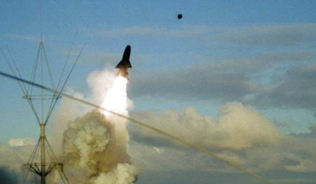 Пуск ракеты 'Гранит' с ТАКР 'Адмирал Флота Советского Союза Кузнецов' пр.11435