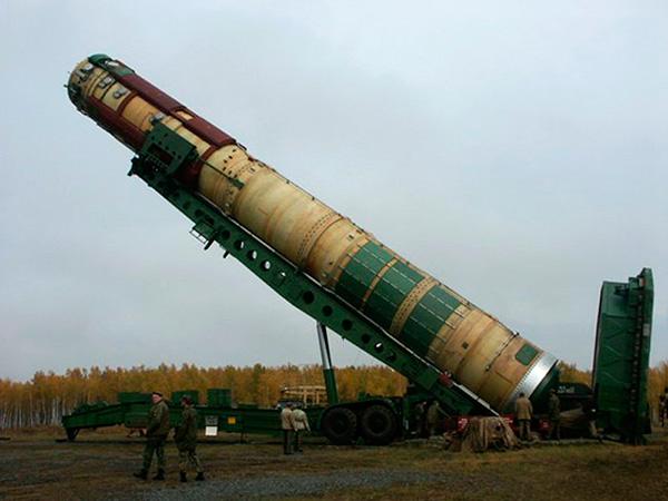Установка ТПК Р-36М2 'Воевода' (15А18М) в шахту