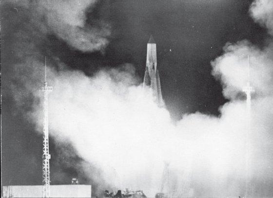 Р-7 8К71 (SS-6 Sapwood) — двухступенчатая межконтинентальная баллистическая ракета