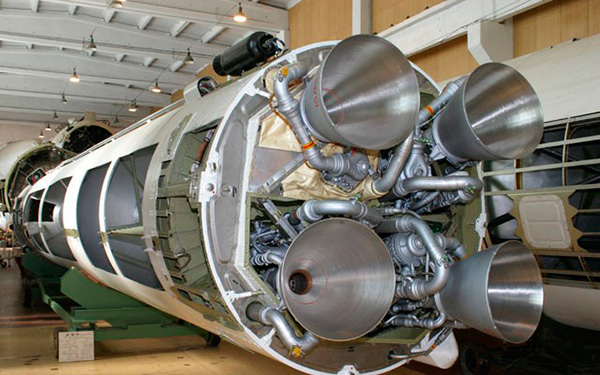 Первая ступень ракеты Ур-100