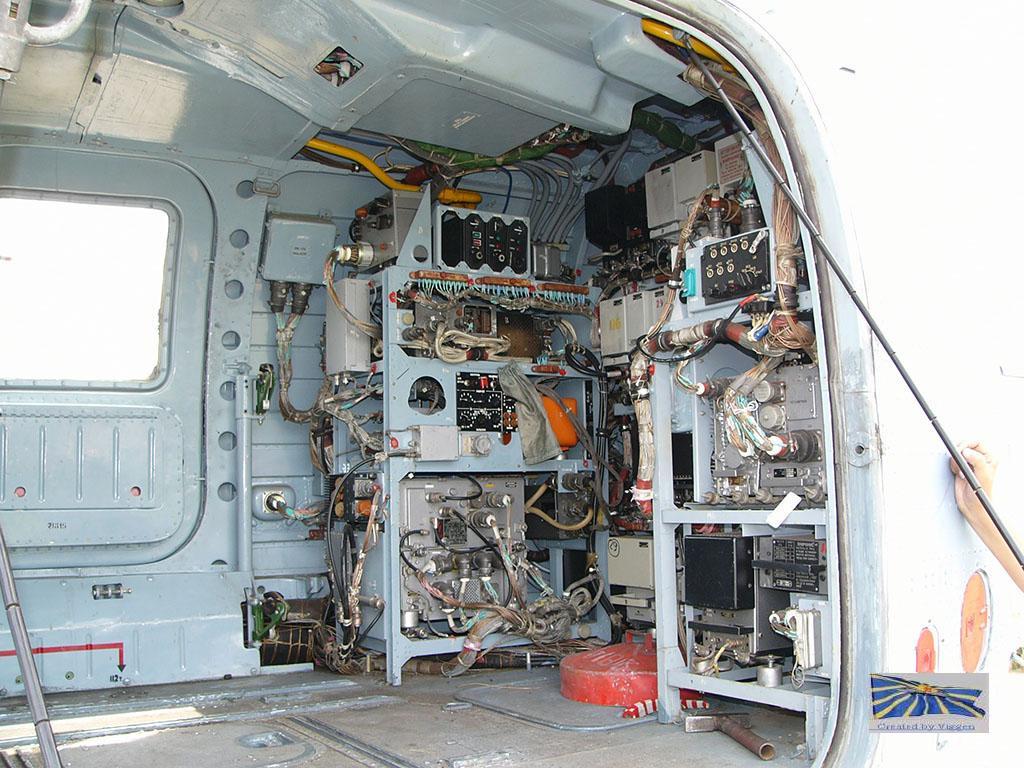 Хвостовой отсек грузовой кабины Ка-29