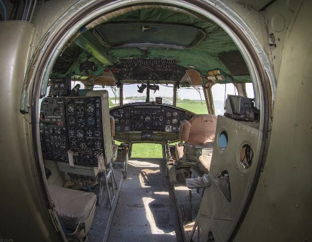 Ми-10 - фото кабины пилотов