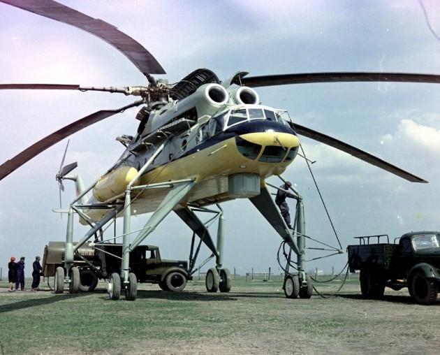 Вертолет Ми-10 (летающий кран)