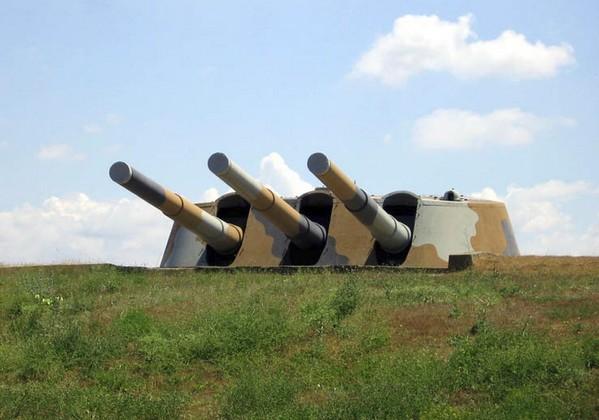 30-я береговая батарея (Форт Максим Горький 1) (ББ№30) в Севастополе с 305-мм орудиями с линкора «Императрицы Марии»