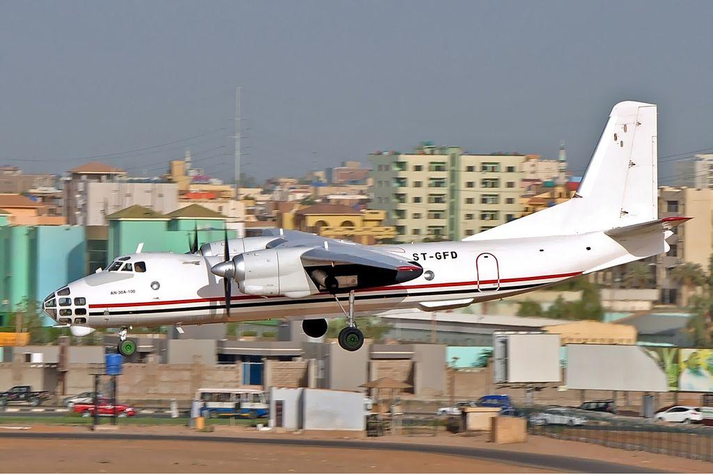 Ан-30А-100 - пассажирский вариант