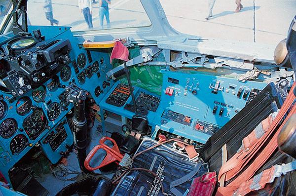 Кабина Ил-102