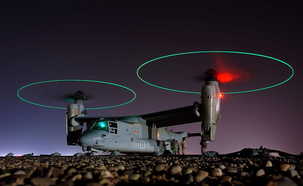 MV-22 Osprey — ночная дозаправка