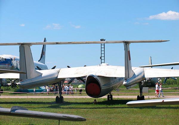 Задний вид самолета М-17 'Стратосфера'