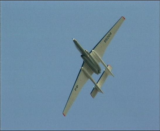 Полет самолета М-55 фото