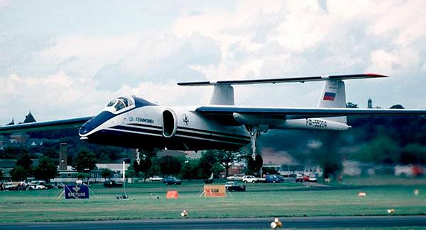 М-55 'Геофизика' на авиасалоне