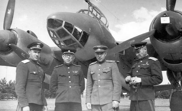 Ту-2 (АНТ-58) - фронтовой пикирующий бомбардировщик