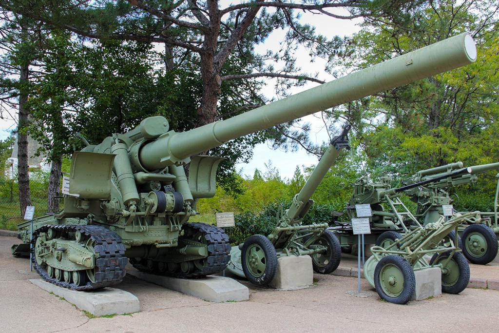 Пушка Бр-2 в Музее на Сапун-горе, Севастополь