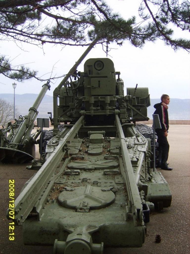 Пушка БР-2 в Новороссийске